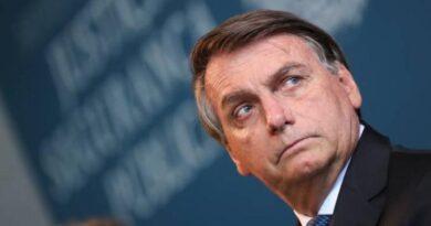 EXAME/IDEIA: aprovação de Bolsonaro despenca de 37% para 26%