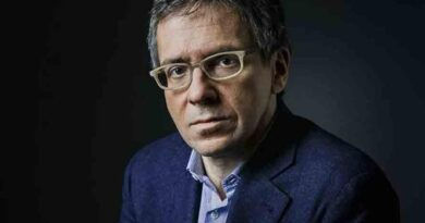 Chefe da Eurasia Group: Brasil saiu dos trilhos, Bolsonaro pode ser afastado